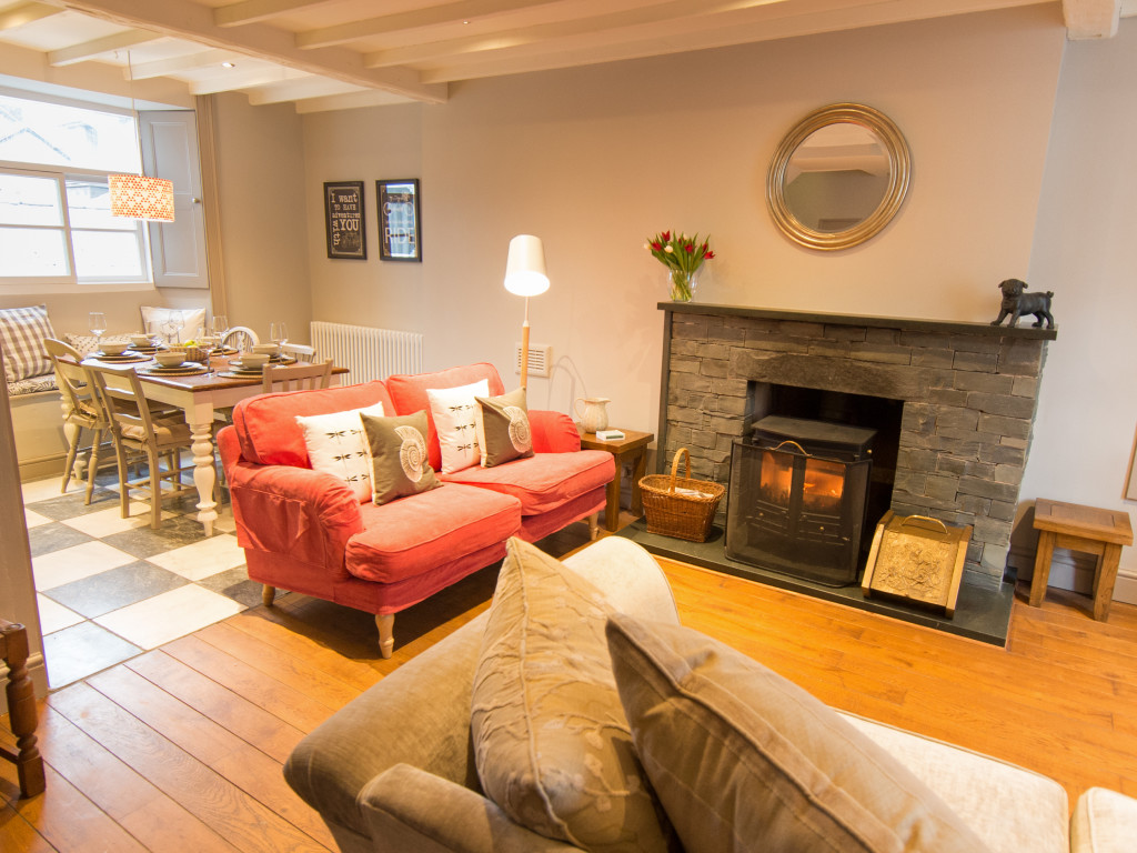 Owd Peg's Cottage - Lounge